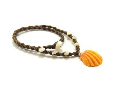 "Ocean Tuff Jewelry - Kauai Sunrise Shell Necklace With Puka Shell Accents (16"")"