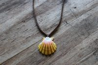 Ocean Tuff Jewelry - Sunrise Shell Pendant Necklace - Medium Shell - 20